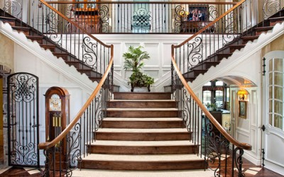 Grand Design Sweeping Staircase
