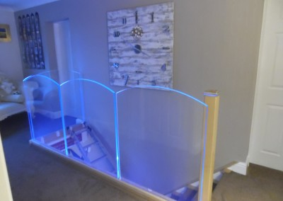 LED Illuminated Bow Top Structural Glass